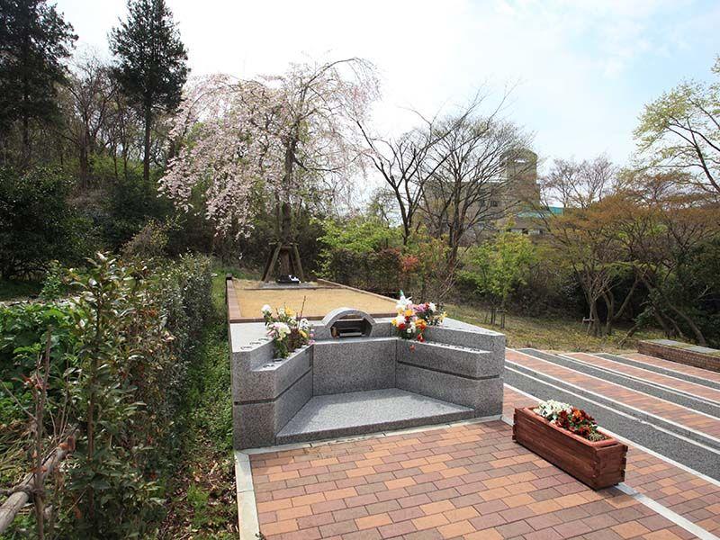 武蔵岡霊園 永代供養墓「レガーメ(絆)」樹木葬