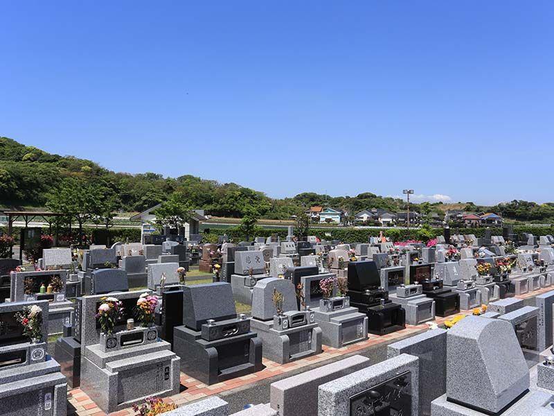 三浦霊園 開放感のある墓域