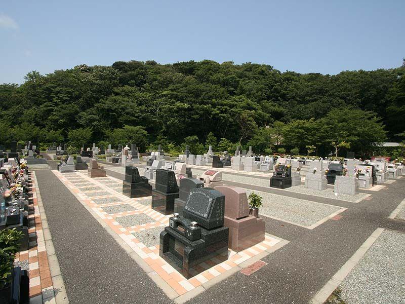 三浦霊園 広々とした建墓スペース