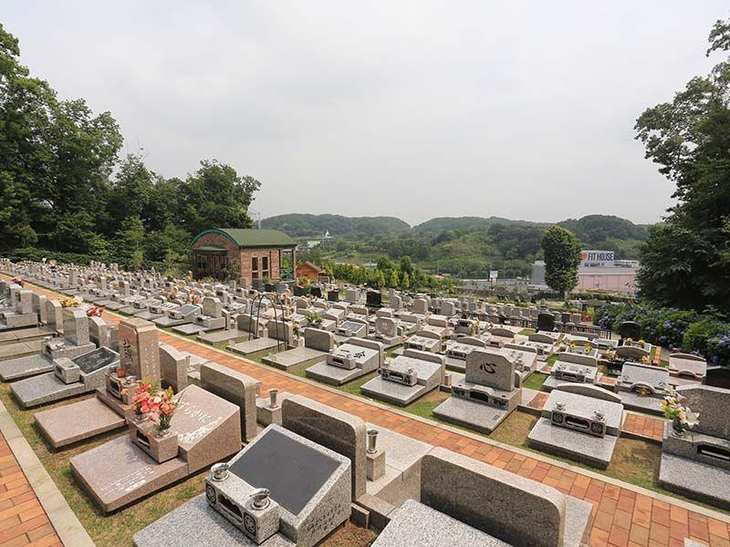 メモリアルパーククラウド御殿山 開放感のある芝生墓所