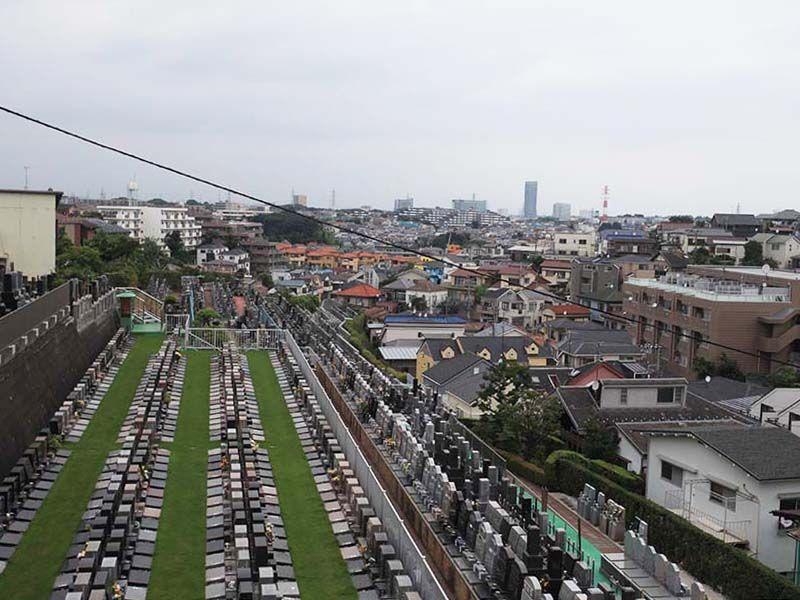 横浜中央霊園 高台にある解放感溢れる墓域