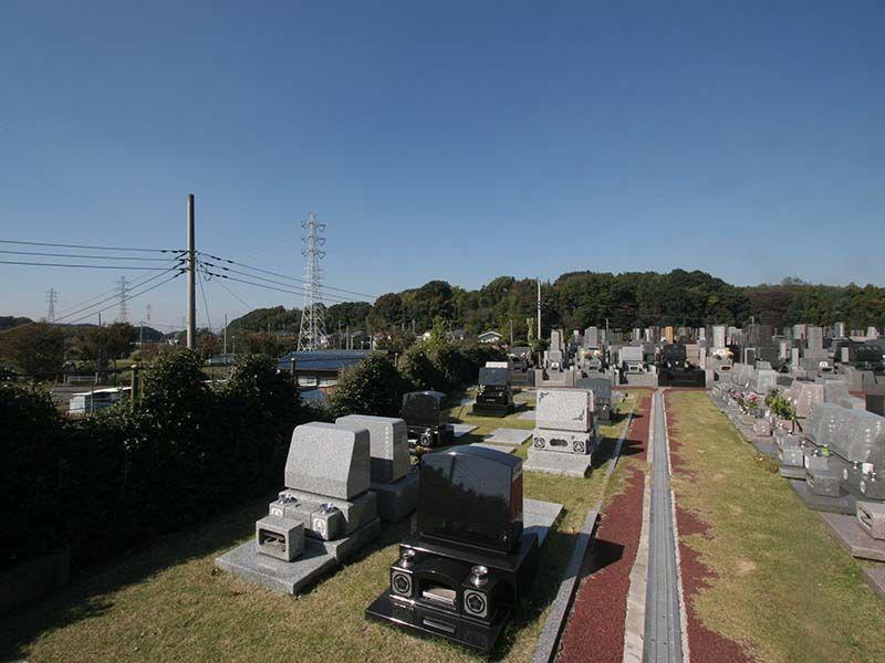メモリアルヒルズ湘南 緑に囲まれた墓域