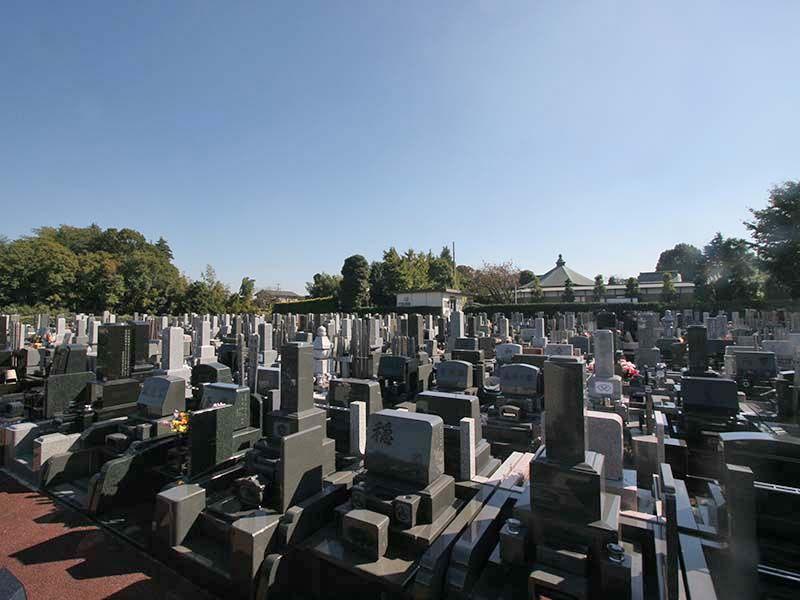 メモリアルヒルズ湘南 和洋混在の墓石