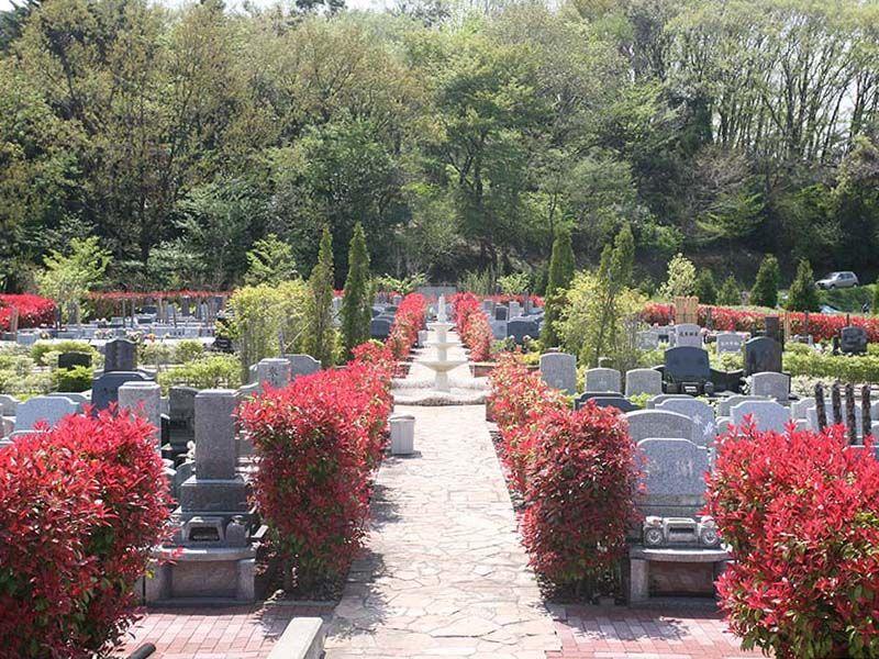 サンメモリアル東京 日当たりの良い公園墓地の風景