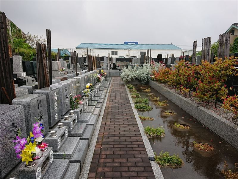 槻の城山霊園 一般墓所風景