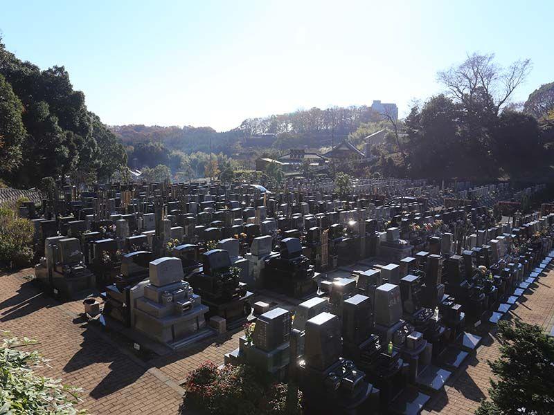 厚木森の里霊園 落ち着いた雰囲気の墓域