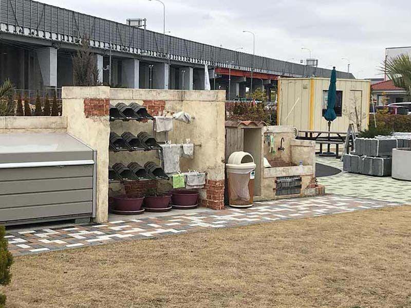 吉川霊園 参拝道具と水汲み場