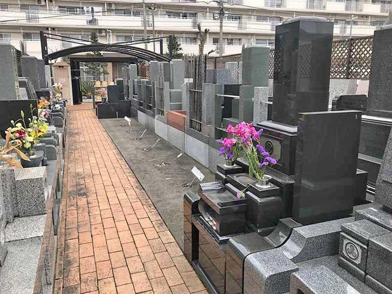 早稲田墓苑 園内はバリアフリー設計