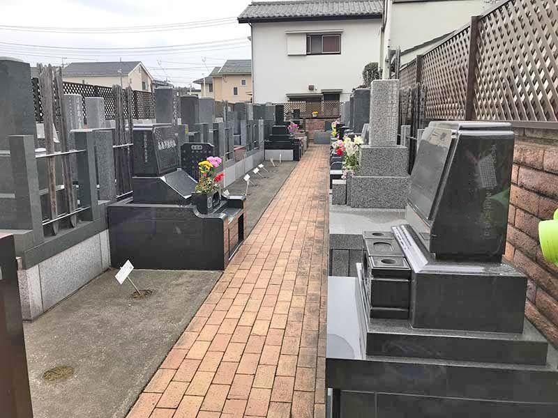 早稲田墓苑 区画整理された墓域