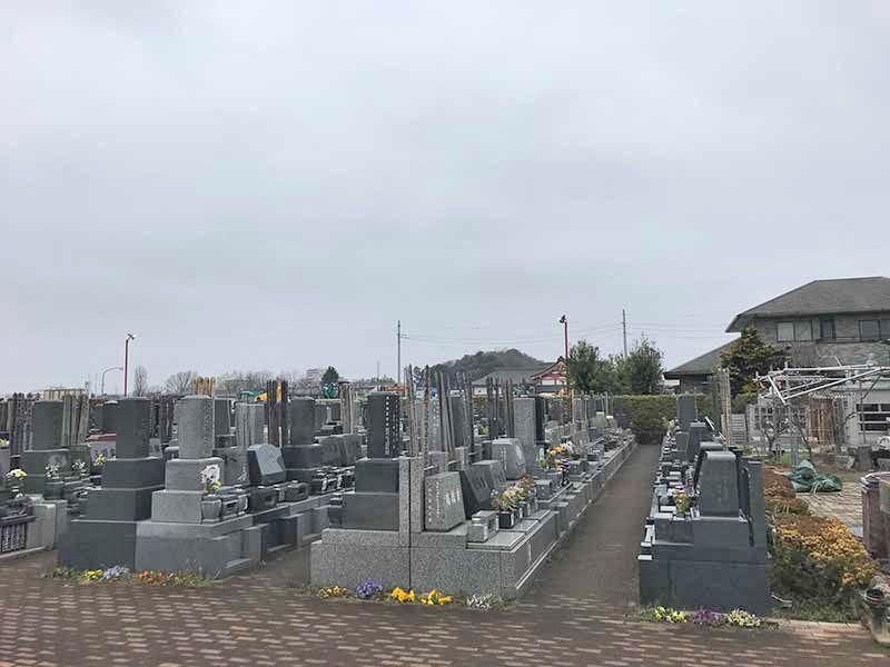メモリアルガーデン朝霞 区画整理された墓域