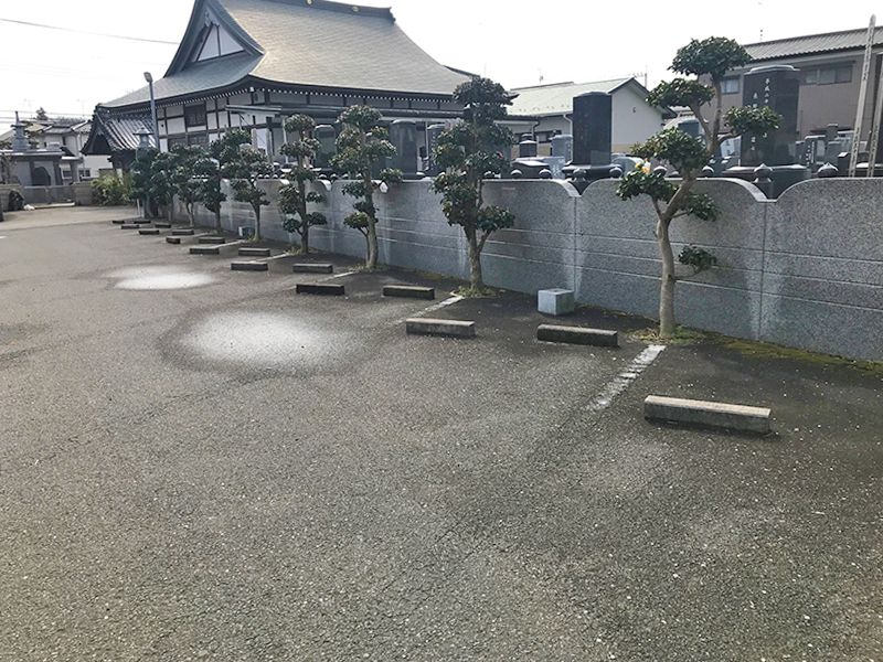 櫻墓苑 霊苑に併設されている駐車スペース