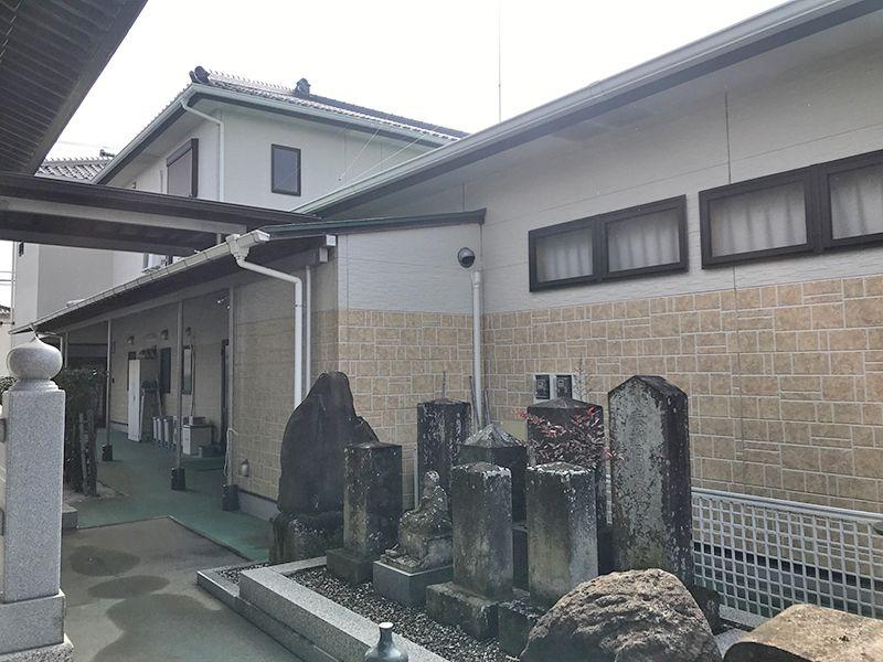 櫻墓苑 管理棟横の石碑