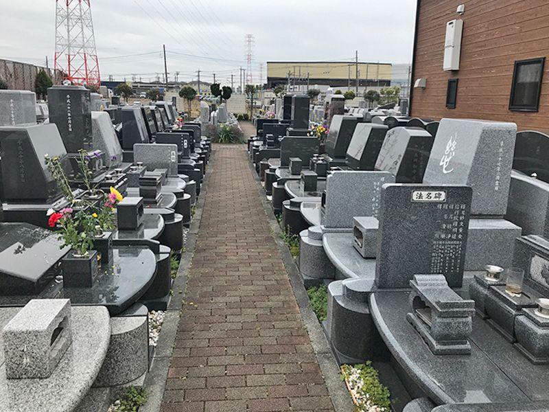 新三郷シティメモリアル 御影石が美しい墓石