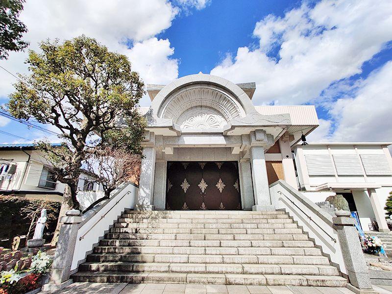 聖徳寺 しらはた浄苑 永代供養墓・樹木葬 本堂外観