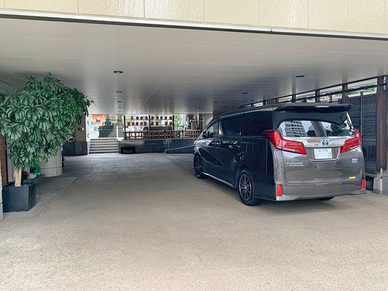 御田いずみ霊園 屋根付き駐車場