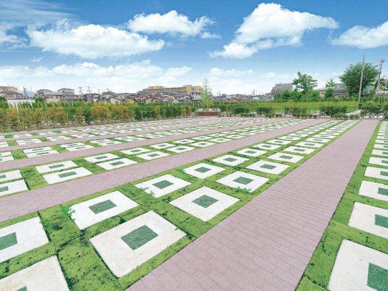 綾瀬蓼川霊園 天空の郷 欧風庭園墓地のような「芝墓所」