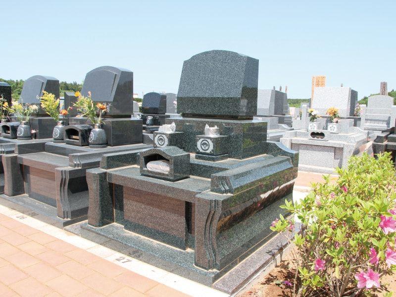 牛久浄苑の洋型墓石