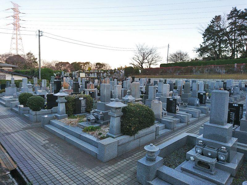 茅ヶ崎公園墓地 ゆとりある区画で移動もスムーズ