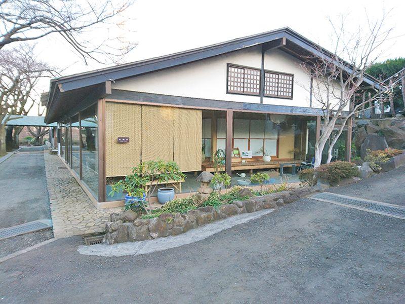茅ヶ崎公園墓地 法事や葬儀の行える施設も完備