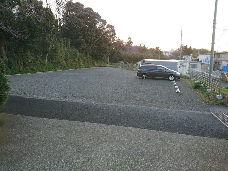 茅ヶ崎公園墓地 広々とした駐車場
