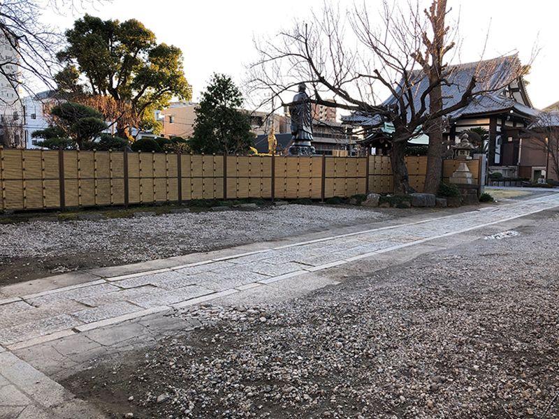 平等山 法田寺墓苑 駐車スペース