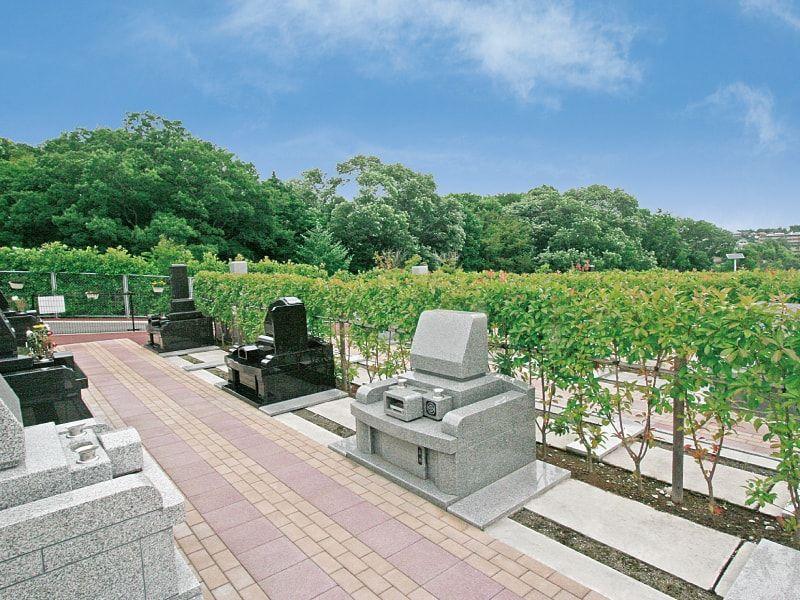 川崎清風霊園 生垣に囲まれた「生垣墓所」