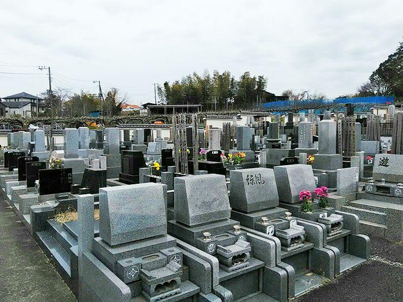 湘南泉霊園 和式と洋式が混在する墓域