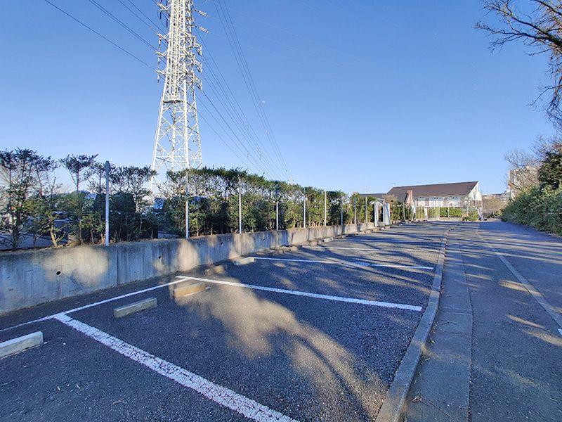 東戸塚メモリアルパーク ゆとりのある駐車場