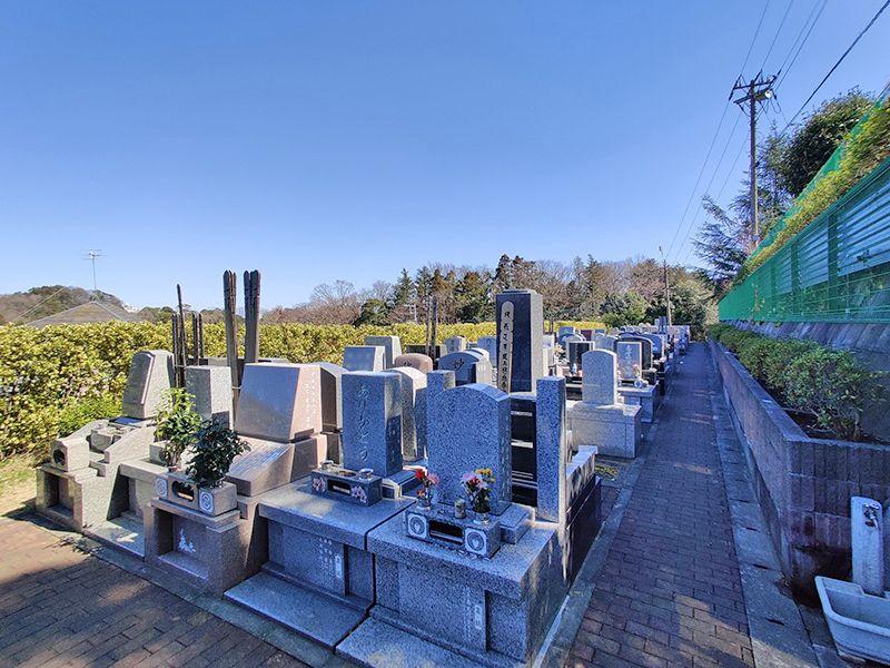 横浜セントヒル霊園 墓石が立ち並ぶ人気霊園