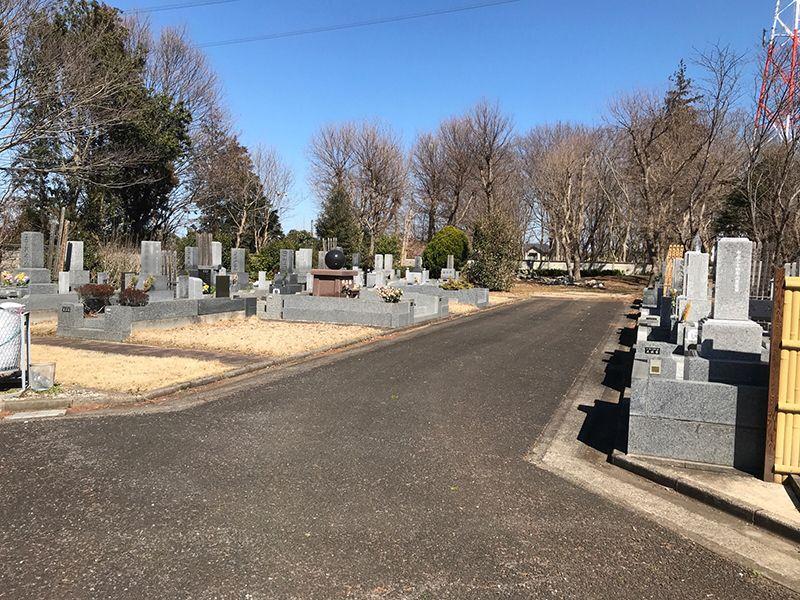 八千代島田台霊園 歩きやすいバリアフリーの参道