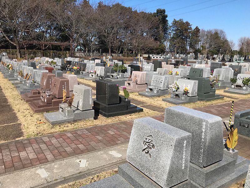 八千代島田台霊園 洋型墓石が立ち並ぶ芝生墓地