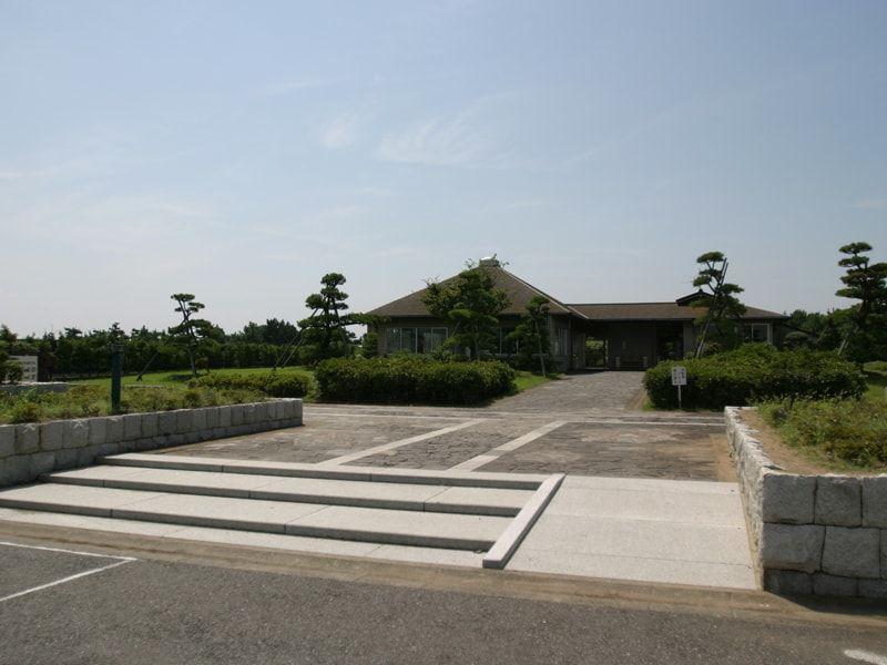 習志野市営海浜霊園の入り口