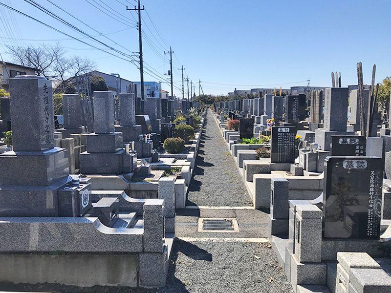 越谷霊廟 手入れが行き届いた墓域