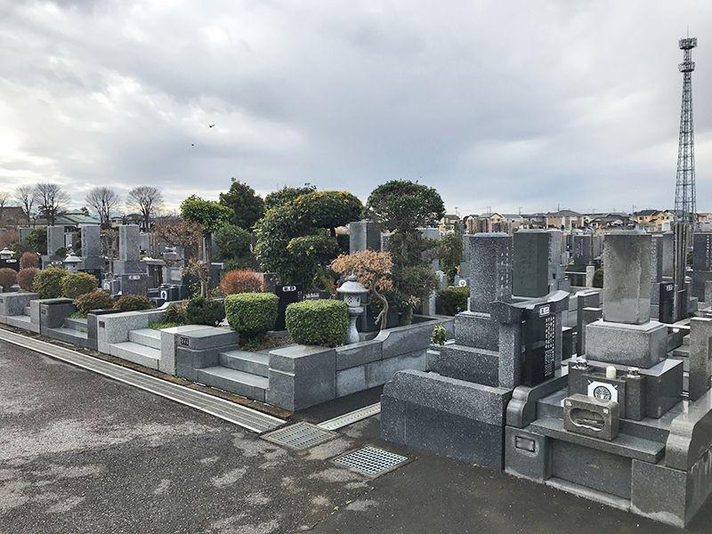 かすかべ霊園 永代供養墓 水はけのよい参道