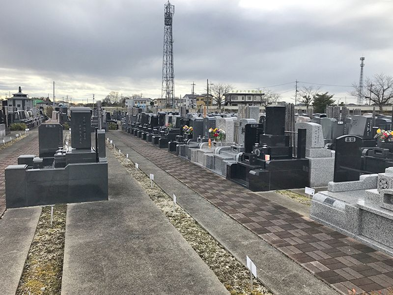 グリーンパーク春日部浄園 第2期 和型・洋型の墓石が混在