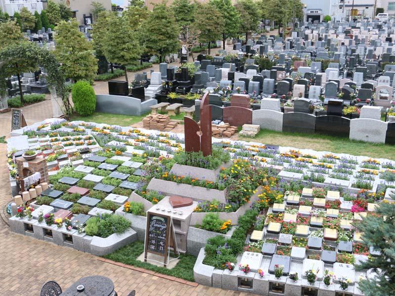 小平メモリアルガーデン 緑に囲まれた墓域