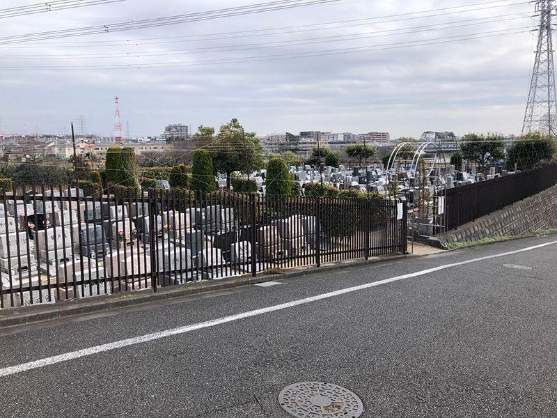 泉やすらぎの丘霊園 高台にある墓域