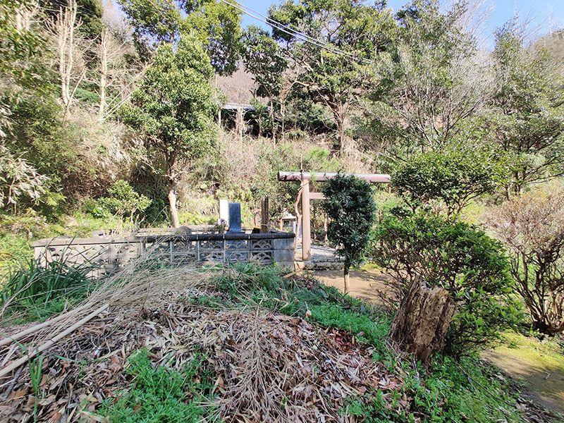 佐助共同墓地 木製の鳥居