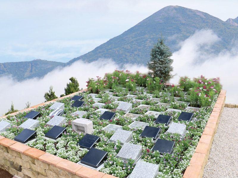 岩窪墓苑 ガーデニング型樹木葬「フラワージュ」