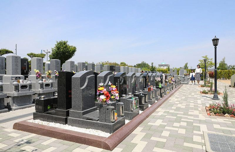 美原東ロイヤルメモリアルパーク 墓石サイドにゆとりある区画