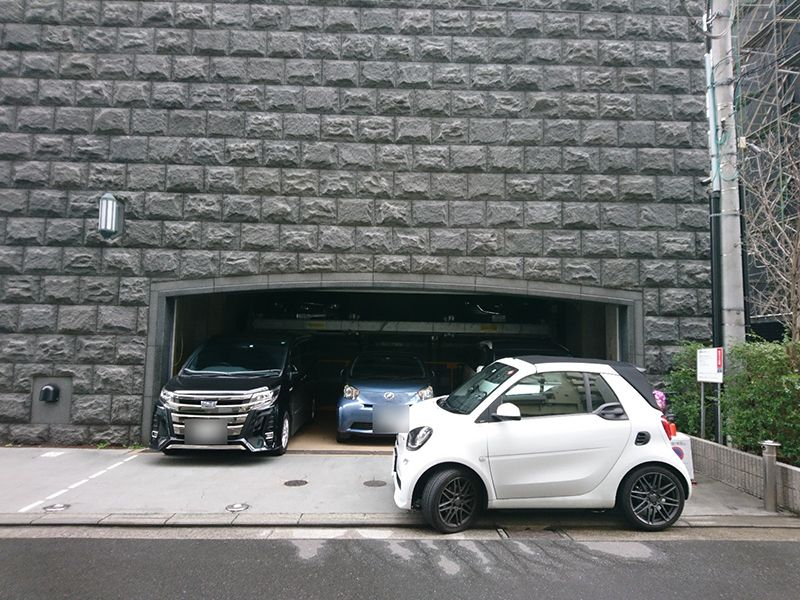 関内陵苑 駐車スペース