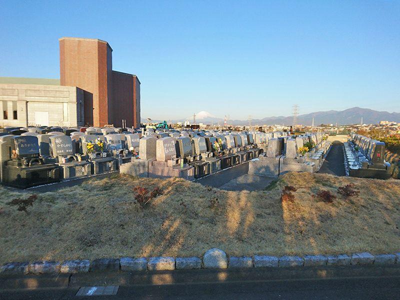 湘南公園墓地茅ヶ崎霊園 富士山を望める園内