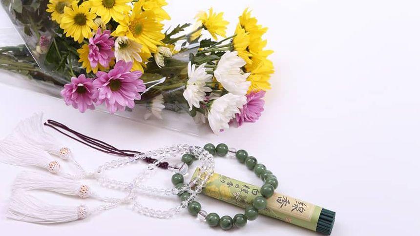数珠と供花