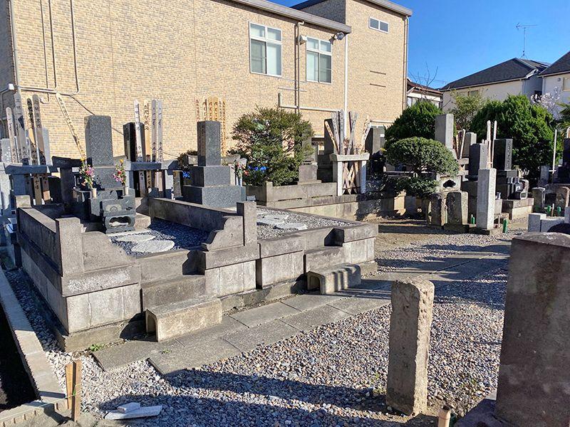 足立メモリアルガーデン 日当たりが良く明るい墓域
