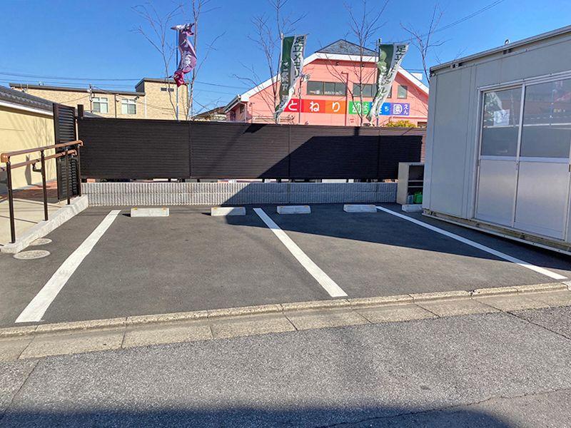 足立メモリアルガーデン 平坦な駐車場