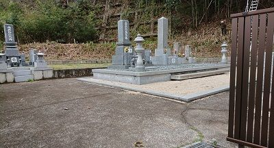 中屋谷第2墓園の入口