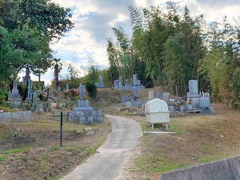 高松市営久通墓地