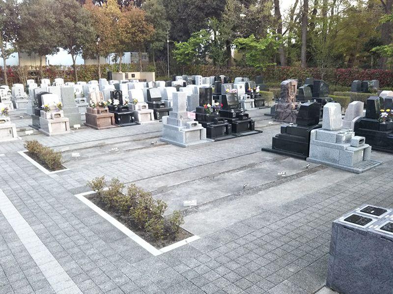 川口光輪メモリアル 永代供養墓「光」 区画整理された墓域
