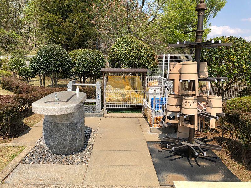 香華院第2千葉東霊苑 水汲み場と参拝道具