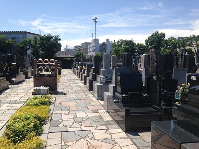 高島平霊園 区画整理された墓域